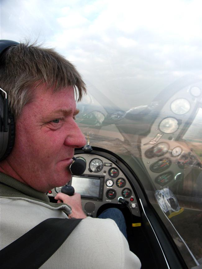 FlyZeit_Juergen_Gyrocopter_Caludis_Tannheim_April_2011.jpg