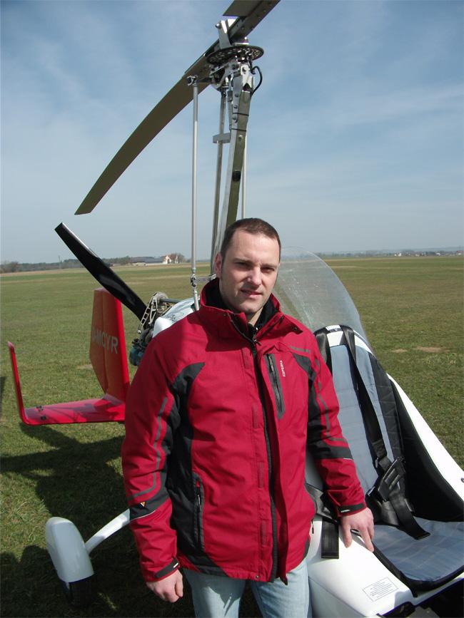 FlyZeit_Markus_Gyrocopter_Tannheim_April_2011.jpg